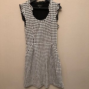 Elle Black and White Houndstooth Ruffled dress sz4